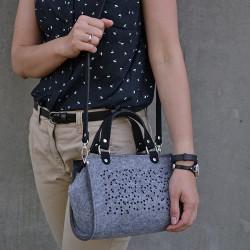 Eco kabelka plstěná FELT LABEL Mini Úžasná Černá Trojúhelníčky